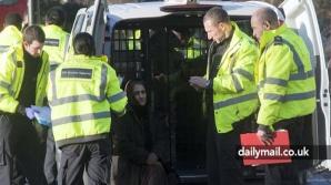 Ofensiva autorităţilor din Marea Britanie, la o zi de la ridicarea restricţiilor de muncă pentru români şi bulgari