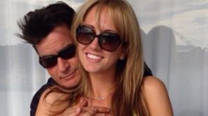 Charlie Sheen a anunțat că s-a căsătorit cu Brett Rossi