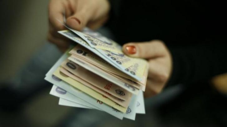 Plăţile CASH, interise în curând