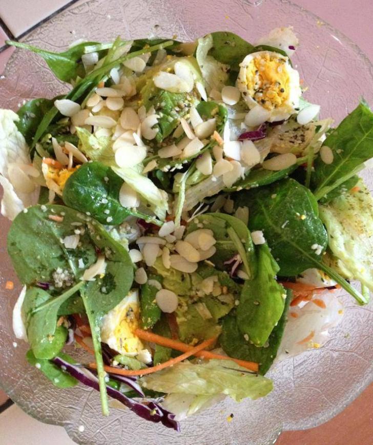 Salata buna pentru perioada sarcinei, recomandata de Carmen Bruma