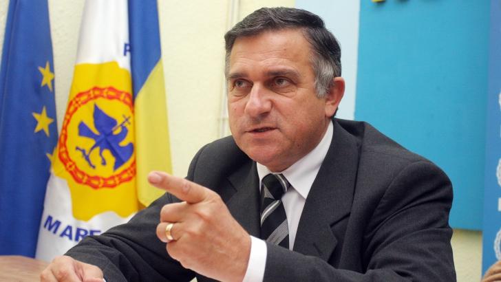 Funar: Vânzarea pământului românesc este un plan ocult, vizează ştergerea României de pe hartă / Foto: MEDIAFAX