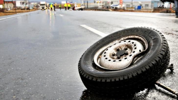 ACCIDENT BRAŞOV cu un microbuz plin de călători. FOTO: Mediafax Foto