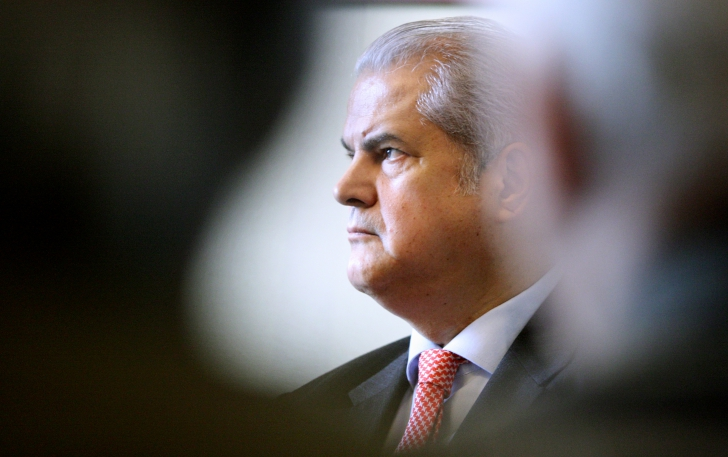 NĂSTASE CONDAMNAT Baroul Bucureşti decide dacă fostul premier mai poate profesa avocatura / Foto: MEDIAFAX