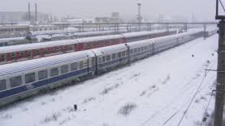 CFR Călători: Două linii închise, peste 60 de trenuri anulate şi întârzieri de până la 10 ore