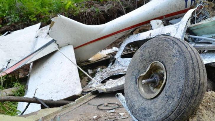 O româncă a murit după prăbuşirea unui avion ultrauşor în nordul Italiei