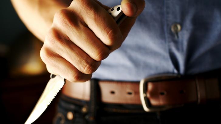 Bărbat ÎNJUNGHIAT ÎN MILITARI: Agresorul a fost prins