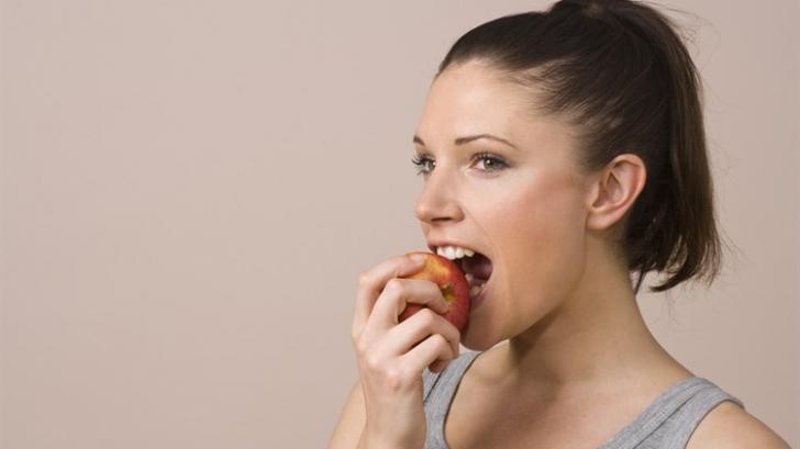 Cum să-ți reduci senzația de foame și pofta de mâncare