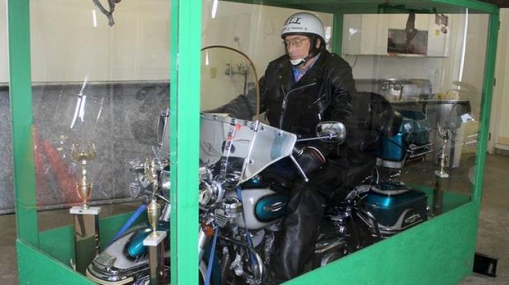 Un american a fost înmormântat pe motocicleta sa Harley Davidson
