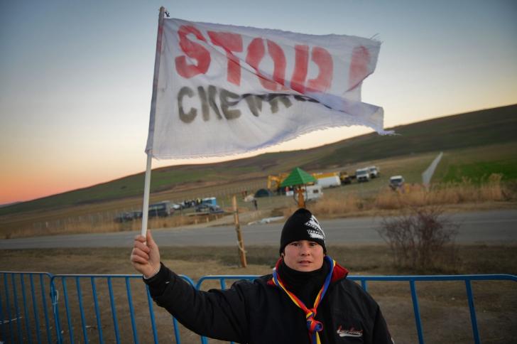 Miting împotriva explorării gazelor de șist în comuna Pungești