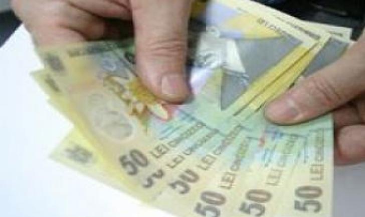 Salarii mai mari în intermedieri financiare