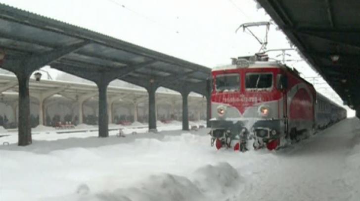 CFR Călători: Pe cale ferată se asigură legătura pe toate rutele în condiţii de siguranţă