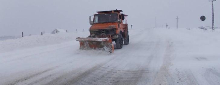 Drumuri închise în țară