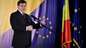 Antonescu: Dacă Ponta crede că e bine în opoziţie, să cedeze mandatul şi preluăm noi Guvernul