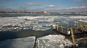 Navigaţia pe Dunăre, închisă în zona Moldova Nouă din cauza vântului puternic / Foto: MEDIAFAX