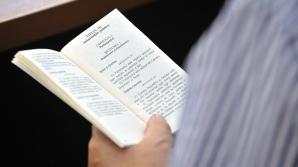 GUVERNUL PONTA 3. Revizuirea Constituţiei nu mai apare în Programul Guvernului