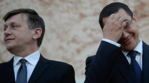 PONTA, comparat cu un CHELNER de Antonescu: De când este prieten cu Băsescu, are acelaşi limbaj / Foto: MEDIAFAX