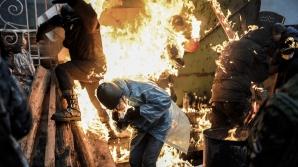 Flăcări şi sânge la Kiev, unde protestatarii s-au ciocnit cu forţele de ordine
