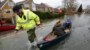 Nord-vestul Angliei este afectat de mai bine de o lună de inundaţii fără precedent