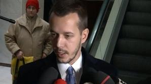 Andrei Năstase şi-a schimbat look-ul din solidaritate cu tatăl său
