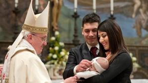 Sfântul Valentin în versiune Vatican: O pernă nupțială și un discurs papal pentru 20.000 de logodnici