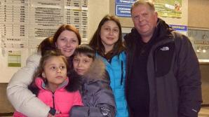 Un cuplu de americani a înfiat patru copii din Ucraina, în timpul conflictului din Kiev