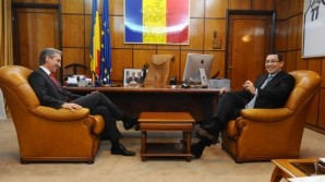 VICTOR PONTA, în vizită la CHIŞINĂU / Foto: gov.ro