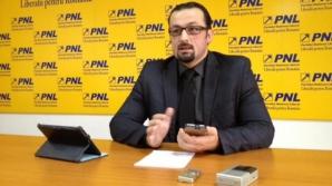 """""""USD este MÂRLĂNIE pe faţă, ca şi Abibas cu Adidas!"""" spune senatorul PNL Cristian Bodea"""