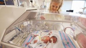 O femeie din Mississippi, SUA, care trebuia să nască tripleţi identici a avut o surpriză urişă pe masa de operaţie