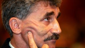 Oltean: PNL înghite în fiecare zi un broscoi râios de la PSD. Liberalii nu au puterea să-l dea afară