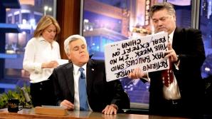 """JAY LENO s-a retras după 22 de ani de """"The Tonight Show"""". Foto din ultima emisiune"""