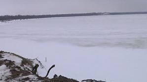 Lacu Sărat a îngheţat