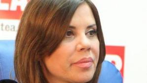 Angelica Constantin, mama naturala a fetitei crescute de Luminita Anghel, o acuza pe vedeta ca i-a furat fetita.