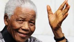 <p>Asistenta personală a lui Nelson Mandela îşi va publica memoriile în iunie</p>