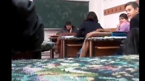 Profesorul se prezintă în stare de ebrietate la ore.