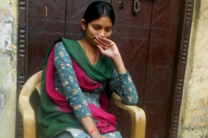 Nu a mâncat NICIODATĂ mâncare solidă! Cu ce se hrăneşte o tânără indiancă pentru a supravieţui