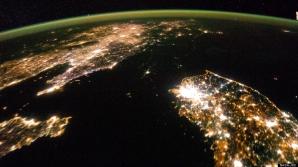 Coreea de Nord văzută din spaţiu, în timpul nopţii