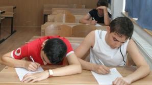 Autorii se repetă cam des, şi în titlu, şi în poezie, spun elevii români