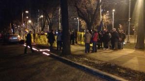 Protest în Bucureşti în faţa Ambadadei Ucrainei