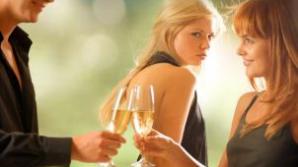 Cum să-i furi iubitul rivalei tale