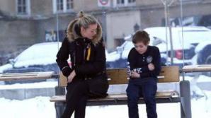 Norvegienii l-au ajutat cum au putut pe băiețelul care îngheța