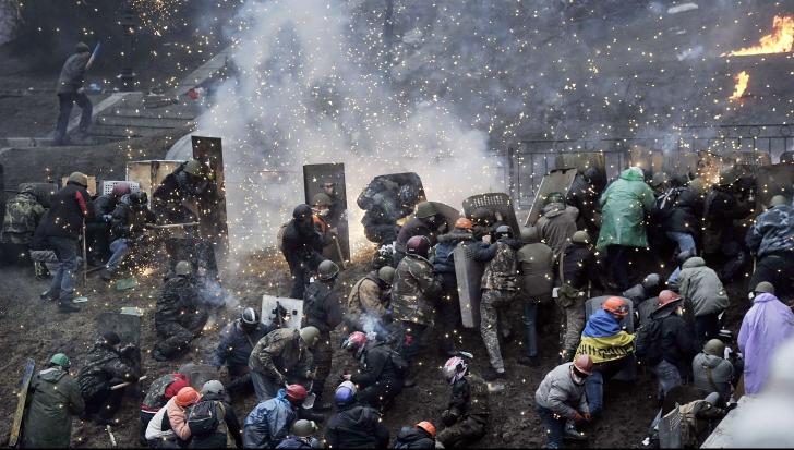 Confruntări violente în Ucraina