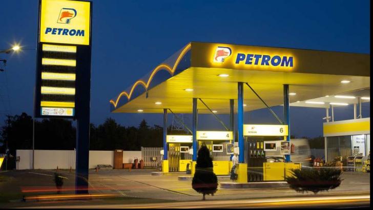 Preţul petrolului a coborât sub 90 de dolari per litru şi se apropie de 80 de dolari