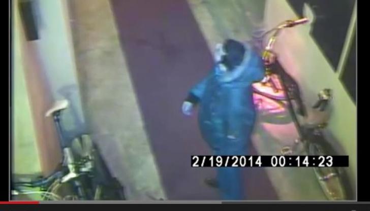 Hoţul a fost surprins de camerele de supraveghere