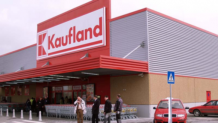 Mezeluri expirate la Kaufland