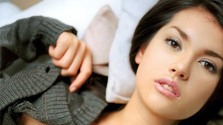 Persoanele care se uită la filme porno au o viață sexuală mai activă