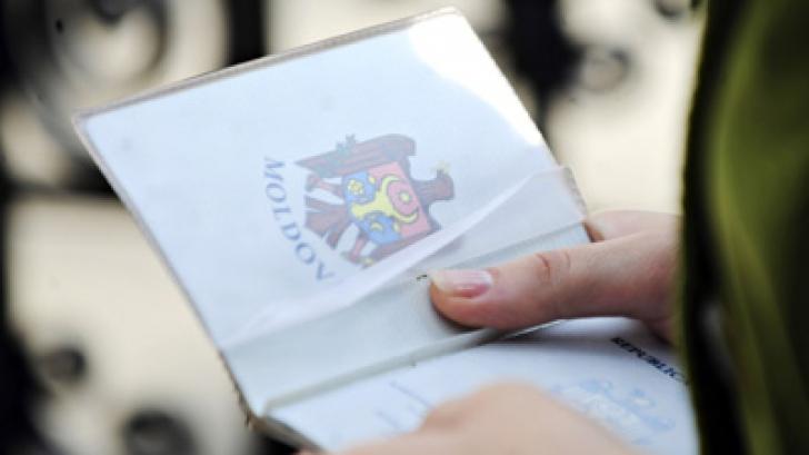 MOLDOVENII, FĂRĂ VIZE ÎN UE: Traian Băsescu salută votul PE