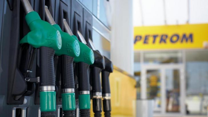 Veste bună pentru șoferi. S-au ieftinit carburanții