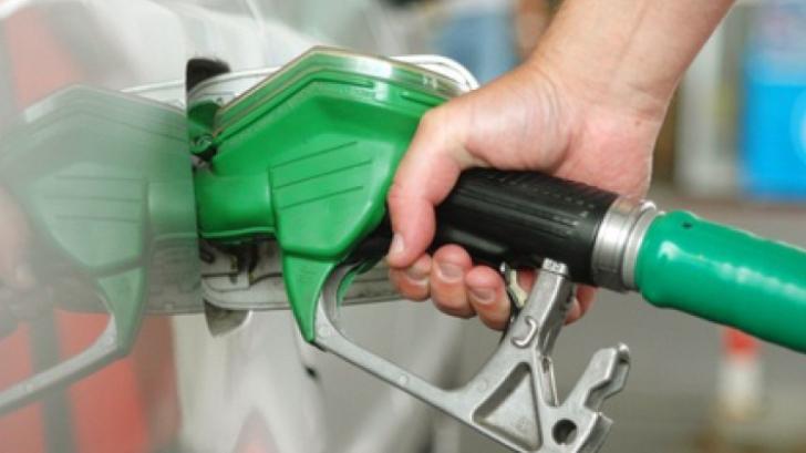 Benzina, mai scumpă decât în Austria