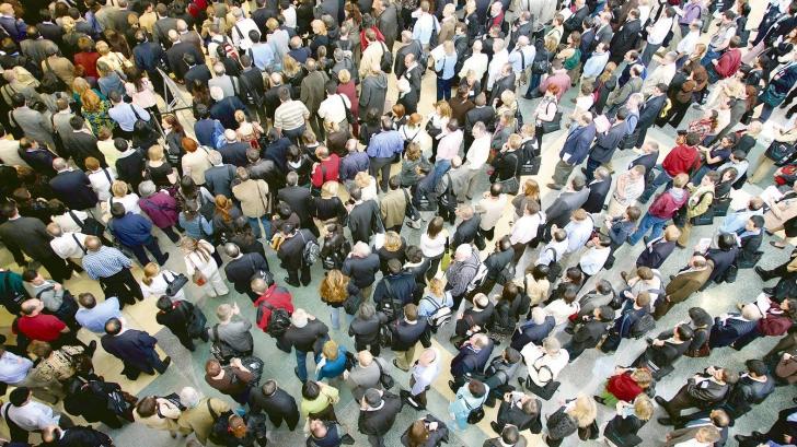 Studiu al Universității din Washington: Populația lumii va ajunge la 9,7 miliarde, apoi va scădea până la sfârșitul secolului