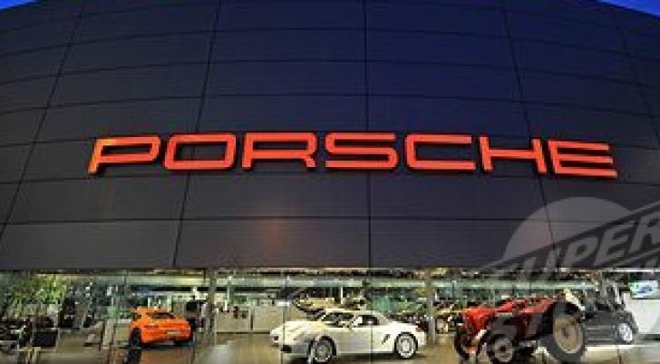 Sefii Porsche şi Volkswagen, daţi în judecată